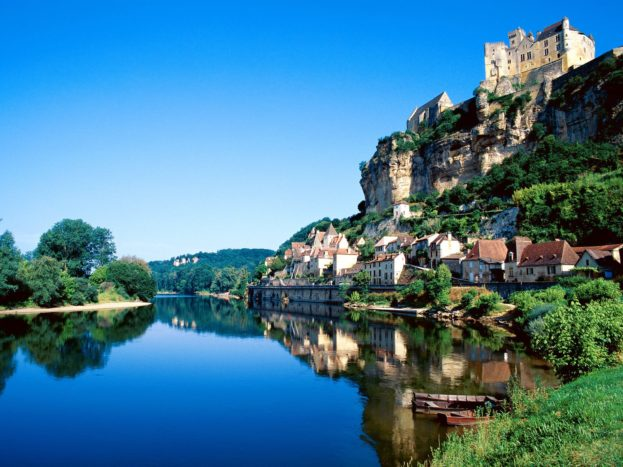 Beynac, Dordogne River, France HD+1600x900, UXGA 1600x1200 - HD Wallpapers Backgrounds Desktop, iphone & Android Free Download