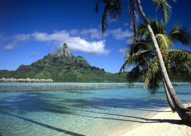 Bora Bora Shoreline, French Polynesia HD+1600x900, UXGA 1600x1200 - HD Wallpapers Backgrounds Desktop, iphone & Android Free Download